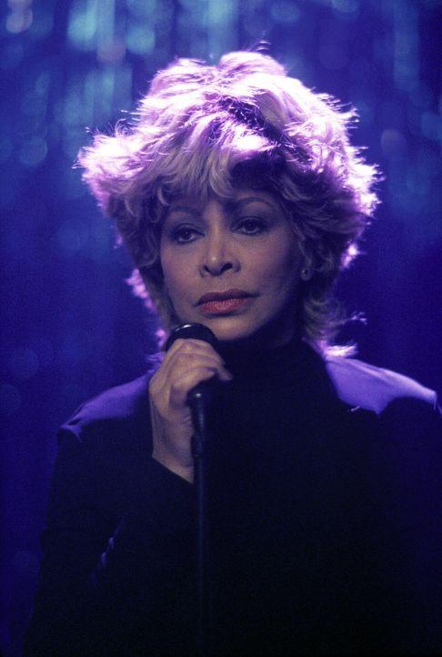 Wer möchte nicht gerne einmal mit Tina Turner (Tina Turner) auf der Bühne stehen? Ally und Elaine geben ihr Bestes, um einen Wettbewerb zu gewinnen... - Bildquelle: 2000 Twentieth Century Fox Film Corporation. All rights reserved.