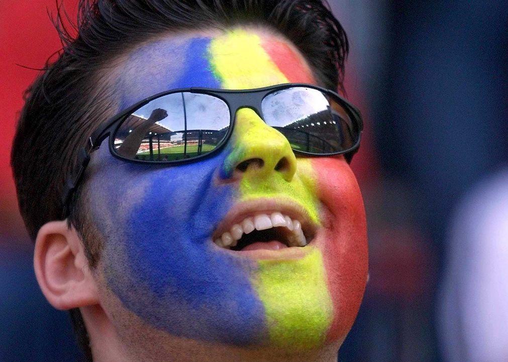 Fußball-Fan-Romania-000612-dpa - Bildquelle: dpa