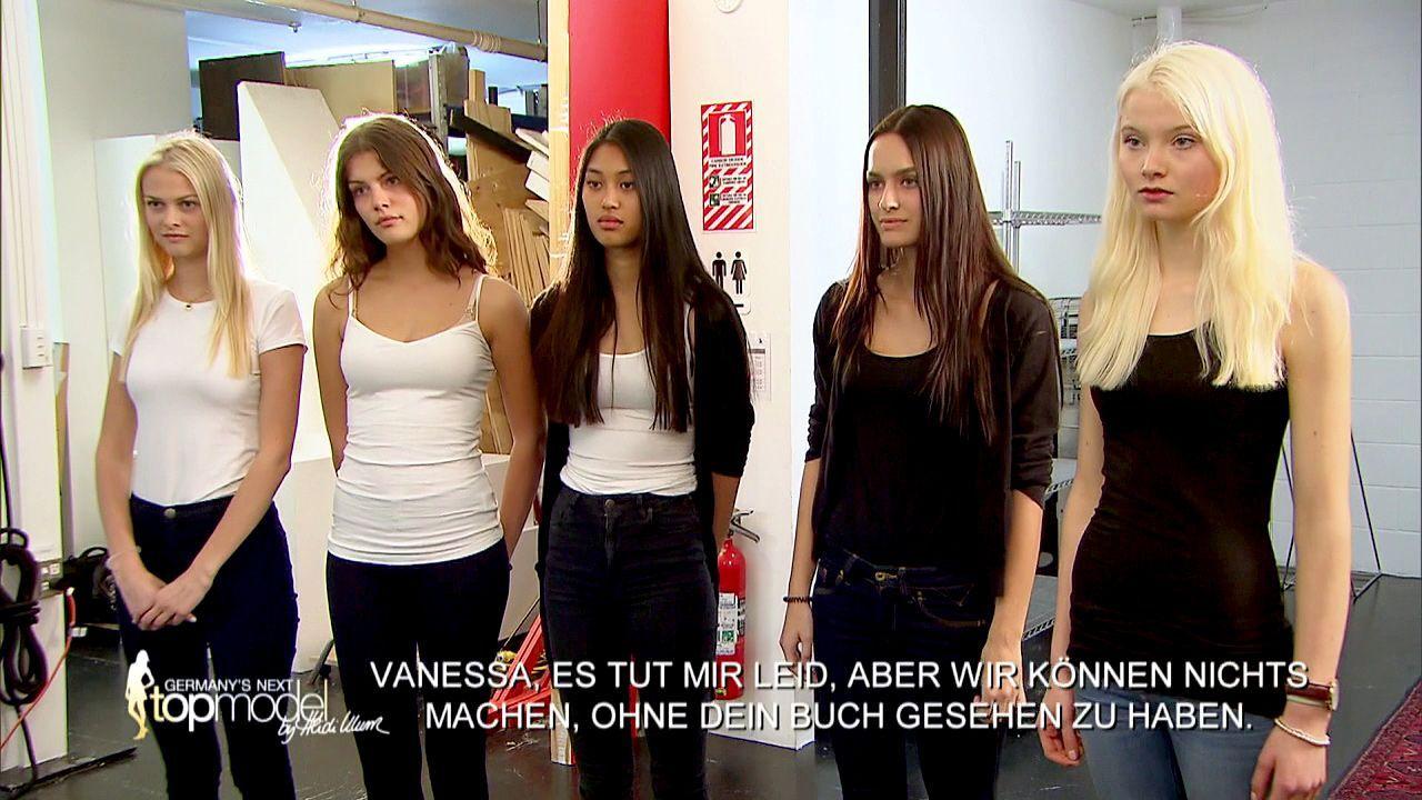 GNTM-Stf10-Epi09-Casting-Remix-Magazin-14-ProSieben - Bildquelle: ProSieben