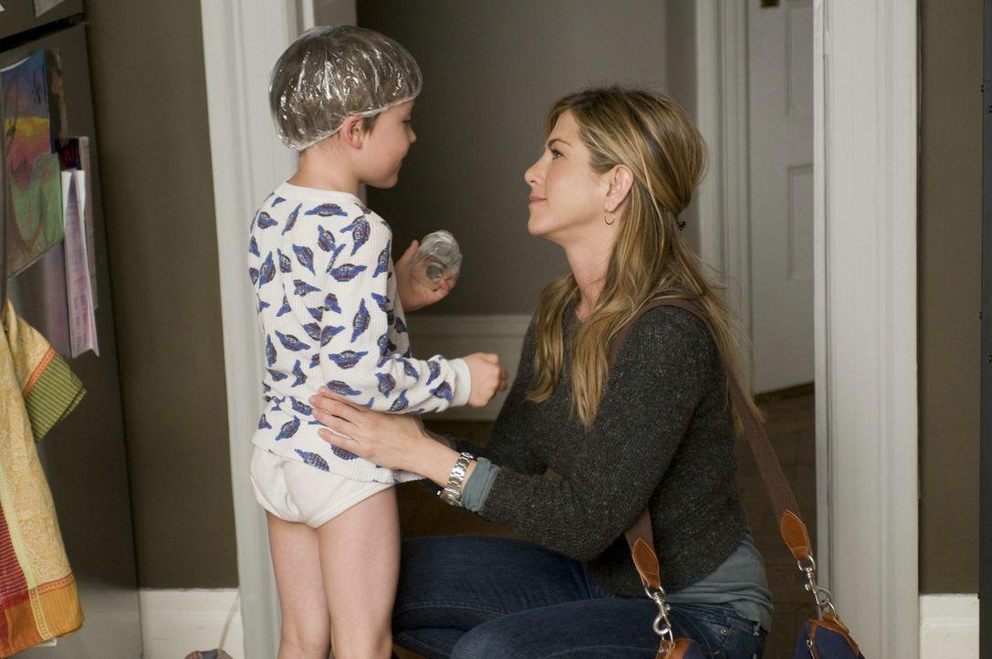 Noch ahnt Kassie (Jennifer Aniston, r.) nicht, dass Wally der Vater ihres Sohnes Sebastian (Thomas Robinson, l.) ist ... - Bildquelle: Constantin Film Verleih GmbH