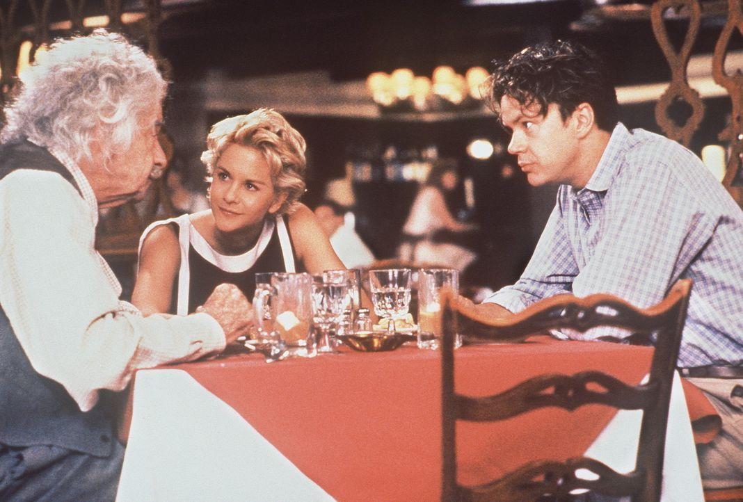 Als das Genie Albert Einstein (Walter Matthau, l.) den sympathischen Automechaniker Ed (Tim Robbins, r.) kennenlernt, weiß er spontan: Der junge Ma... - Bildquelle: Paramount Pictures