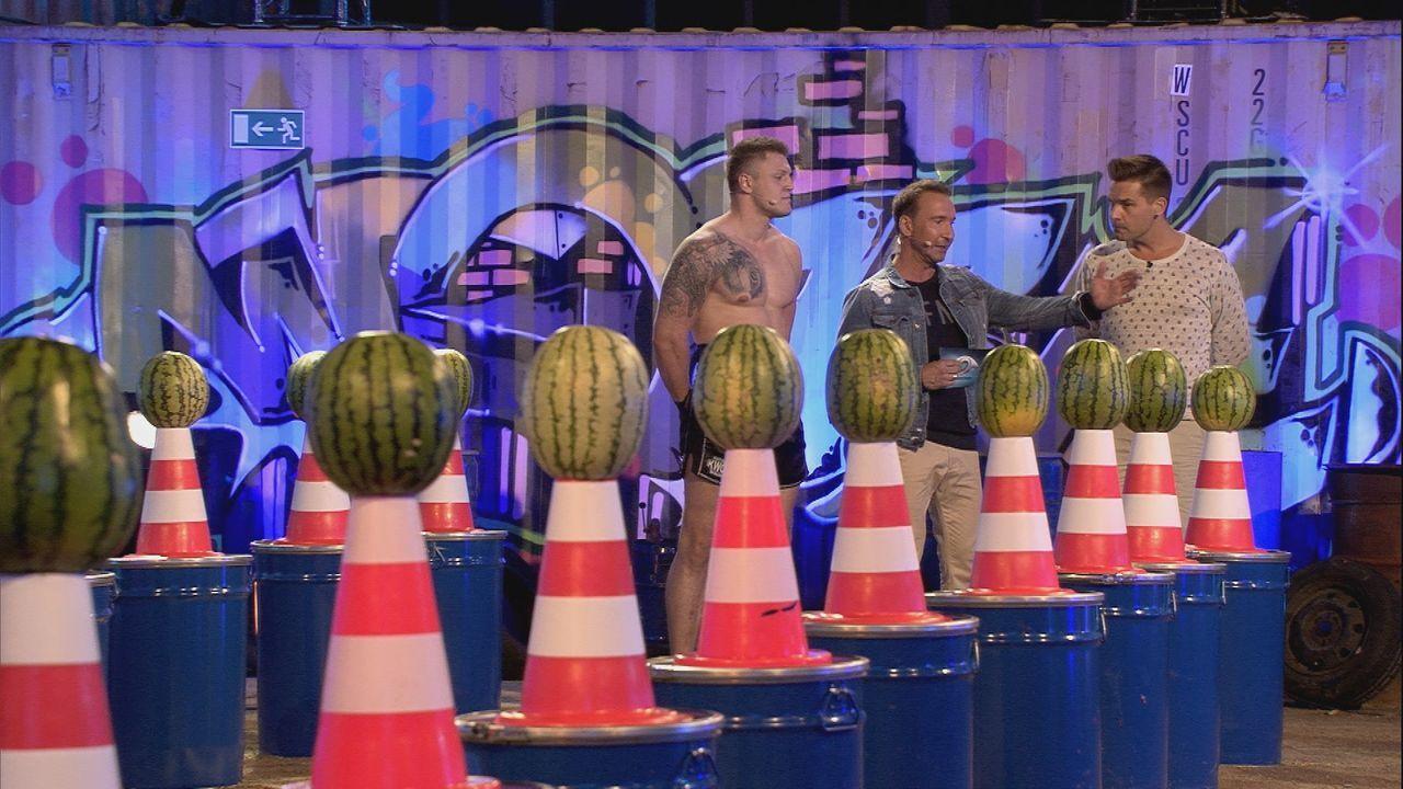 """Big Brother bittet zum Duell """"Wassermelonencrash"""" - Bildquelle: SAT.1"""