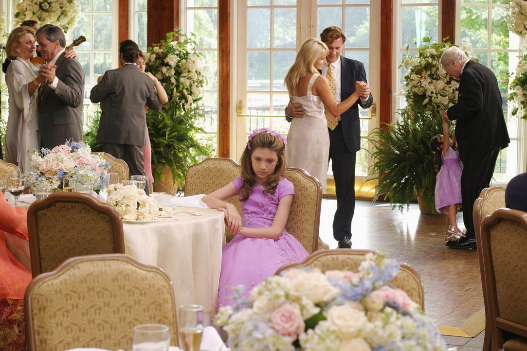Rosemary (Charlie Ray, M.) ist die begabte und ausgesprochen charmante Tochter einer bekannten Familie von Soap-Opera-Dichtern. Da verliebt sich ein... - Bildquelle: 2005 by Regency Entertainment (USA), Inc. and Monarchy Enterprises S.a.r.l. All rights reserved.