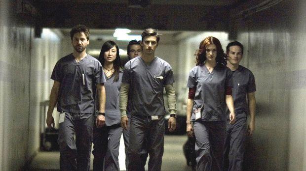 Führen nichts Gutes im Schilde: (v.l.n.r.) die jungen Pathologen Jake (Michae...