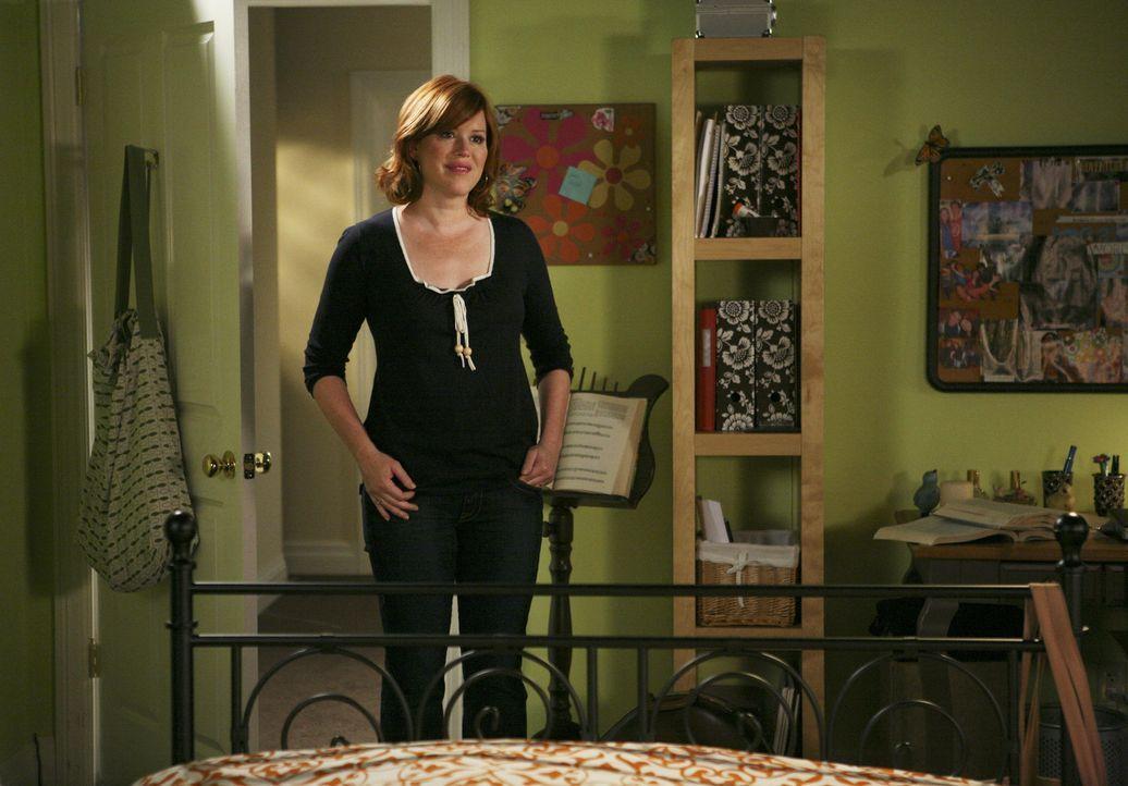 Die liebevolle Anne (Molly Ringwald) kümmert sich immer rührend um ihre Kinder, doch aufgrund ihrer Ehekrise bemerkt sie nicht, wie seltsam Amy sich... - Bildquelle: ABC Family