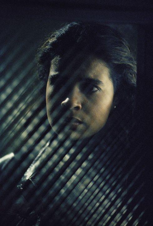Yves Adele Harlow (Suleikha Robinson) will verhindern, dass ihr Vater und seine Terroristen einen verheerenden Anschlag verüben können. - Bildquelle: TM +   Twentieth Century Fox Film Corporation. All Rights Reserved.