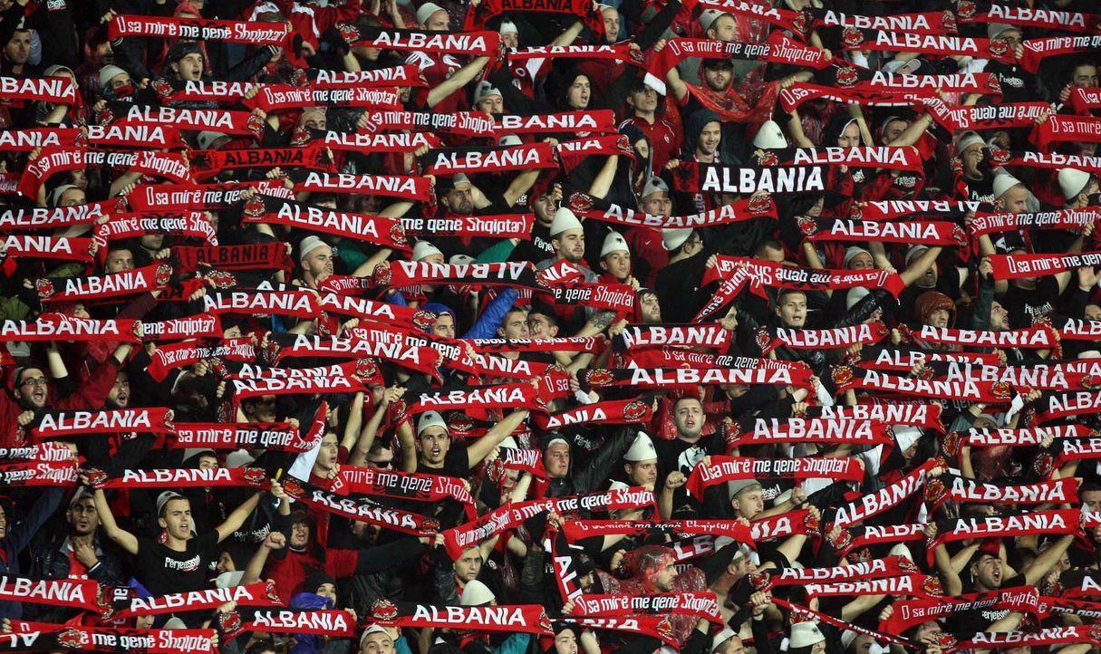 Fußball-Fan-Albanien-110902-AFP - Bildquelle: AFP
