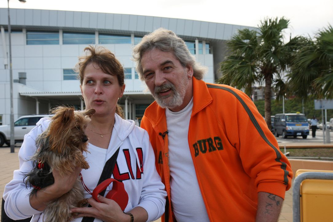 """Sabine (39) und Peter Gnauke (55) brechen in Deutschland die """"Zelte"""" ab und wandern aus: auf die Insel Saint Martin in der Karibik. In dem Urlaubpar... - Bildquelle: kabel eins"""