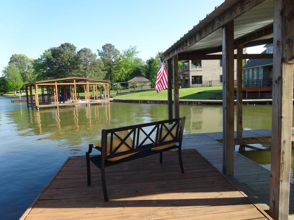 Spaß für die ganze Familie: Nicht nur die Eltern Elizabeth und Scott profitieren von der direkten Lage am See in Hot Springs, Arkansas. Auch Sohn Ja... - Bildquelle: 2015,HGTV/Scripps Networks, LLC. All Rights Reserved