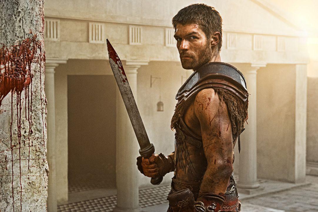Spartacus (Liam McIntyre) und die inzwischen zu einer Armee herangewachsenen Sklaven leben außerhalb der Stadt in Kälte und Hunger. Dennoch scheuen... - Bildquelle: 2012 Starz Entertainment, LLC. All rights reserved.
