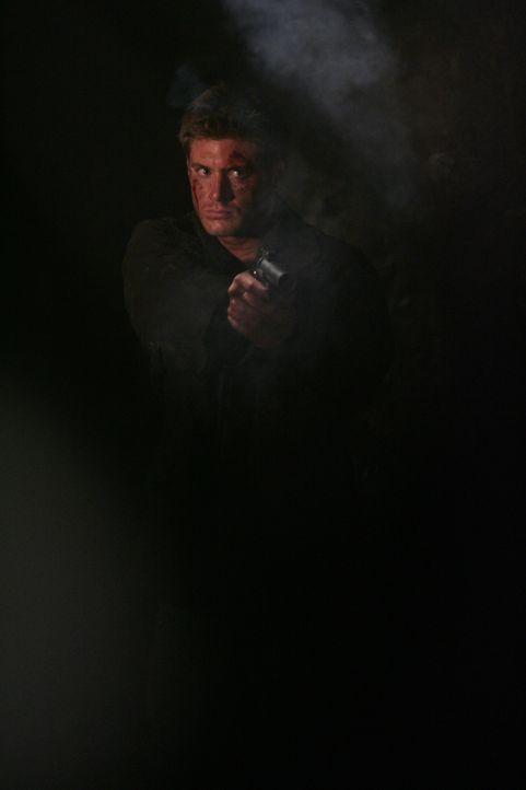 Versucht den Wendigo zu erledigen: Dean (Jensen Ackles) ... - Bildquelle: Warner Bros. Television