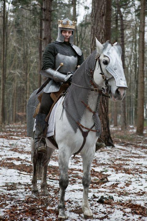 Richard (Aneurin Barnard) weiß, dass er die Schlacht, von der sein Schicksal als König abhängt, nicht länger verhindern kann ... - Bildquelle: 2013 Starz Entertainment LLC, All rights reserved