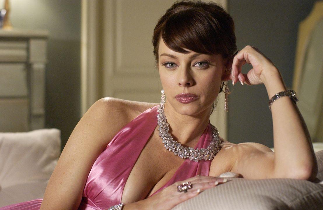 Nach der Blamage mit ihrem Pornovideo ist Julie (Melinda Clarke) am Boden zerstört ... - Bildquelle: Warner Bros. Television