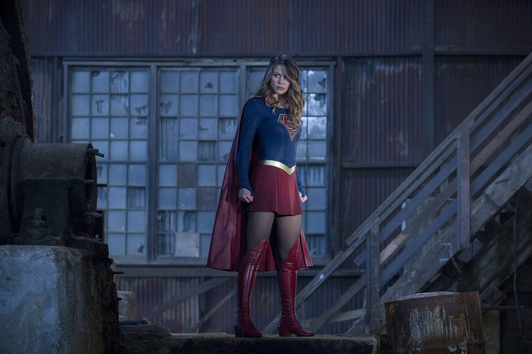 Kara alias Supergirl (Melissa Benoist) trainiert das Team Arrow, Team Flash und auch die Legends, damit sie gemeinsam gegen eine Alien Invasion kämp... - Bildquelle: 2016 Warner Bros.