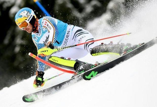 Felix Neureuther fährt in Adelboden auf Platz vier