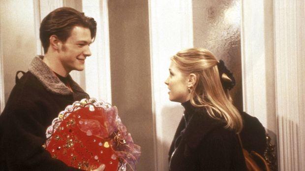 Valentinstag: Harvey (Nate Richert, l.) und Sabrina (Melissa Joan Hart, r.) ....