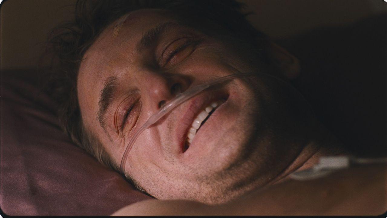 Kaum mit einem Spenderherzen versehen, muss Terry (Josh Lucas) erleben, dass sein neues Herz die Killer seines ursprünglichen Trägers kennt. Und es...