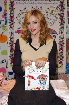 Madonna präsentiert ihr erstes Buch. - Bildquelle: getty - AFP
