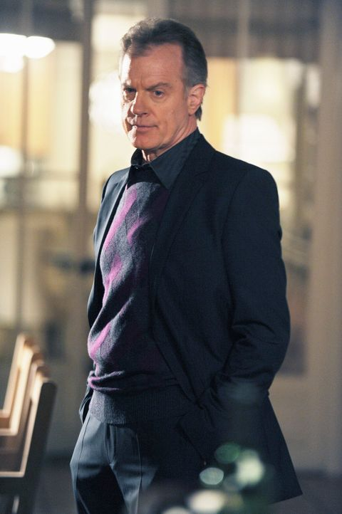 Hat ein Geheimnis vor seiner Tochter Addison: Captain (Stephen Collins) ... - Bildquelle: ABC Studios