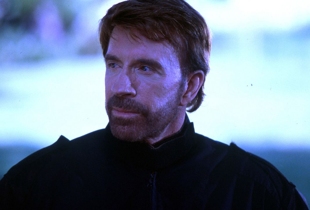 Joshua McCord (Chuck Norris) ist Trainer einer Spezialeinheit und Experte für scheinbar aussichtslose Fälle ... - Bildquelle: CBS Television