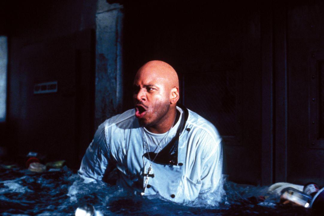 """Bordkoch Sherman """"Preacher"""" Dudley (LL Cool J) hat immer einen kessen Spruch auf den Lippen - bis ihm das Lachen vergeht ... - Bildquelle: Warner Bros. Pictures"""