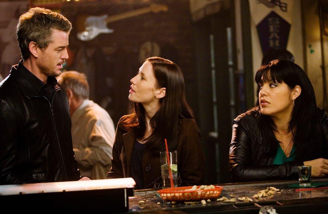 Haben wegen den unterschiedlichsten Gründen Herzrasen: Mark (Eric Dane, l.), Lexie (Chyler Leigh, M.) und Callie (Sara Ramirez, r.) ... - Bildquelle: Touchstone Television