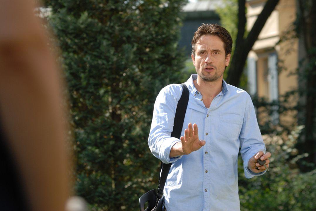 Peter (Oliver Mommsen) zweifelt an seinem Verstand: Kann er seine Tiere wirklich sprechen hören? - Bildquelle: Hardy Spitz SAT.1