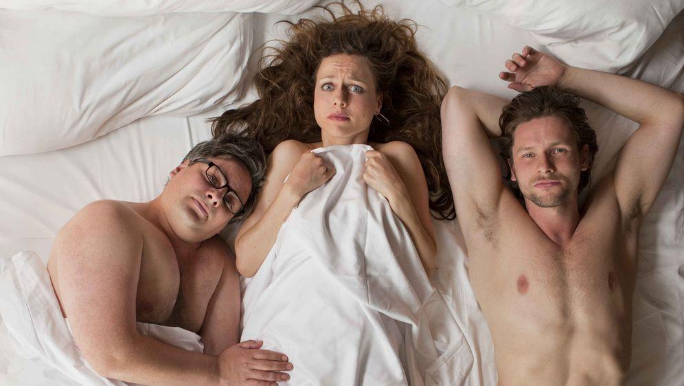 Drei in einem Bett - Bildquelle: 02.07.2016 •  20:15 Uhr
