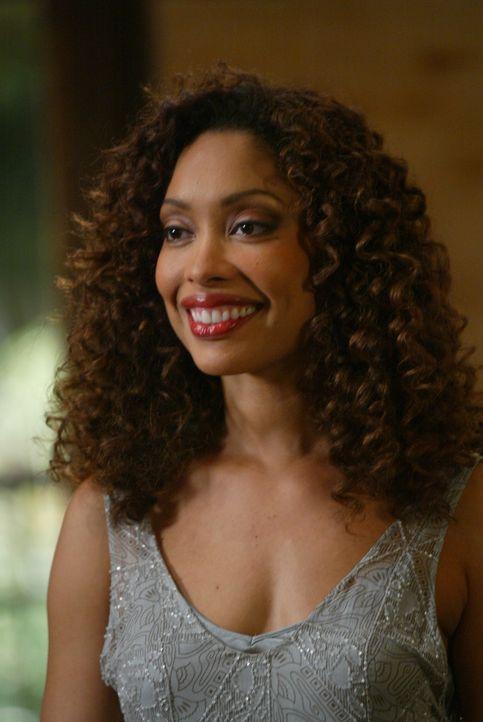 Fred allein kennt die Wahrheit über Jasmine (Gina Torres) und ist auf der Flucht. In der Zwischenzeit baut Jasmine ihren Einfluss aus und vernetzt m... - Bildquelle: The WB Television Network