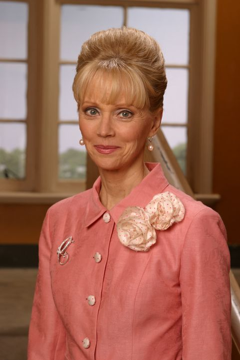 Leitet in Joans Schule einen Make-Up-Kurs: Ms. Candy (Shelley Long) ... - Bildquelle: Sony Pictures Television