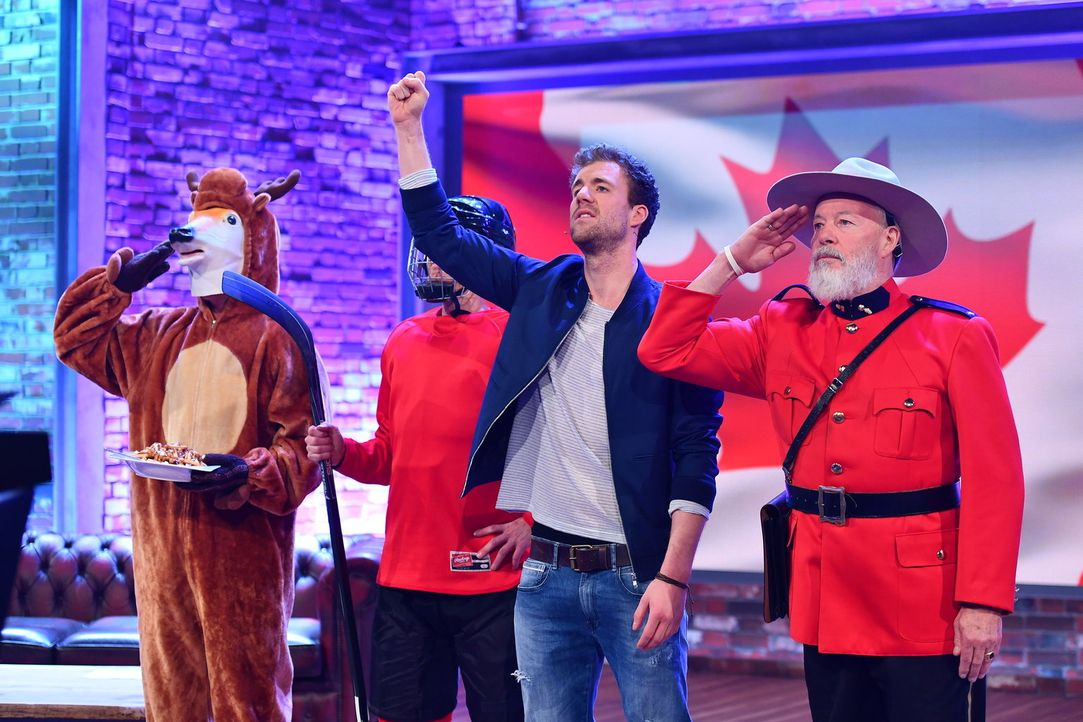 O Canada! Halb-Kanadier Luke (2.v.r.) zelebriert seine Abstammung nicht nur im Studio, sondern berichtet auch in lustigen und mutigen Einspielern vo... - Bildquelle: Willi Weber SAT.1