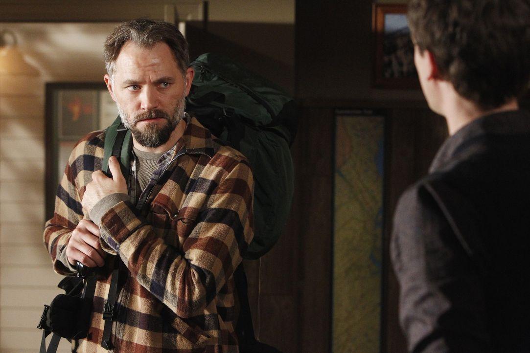 Joseph Lanhams (David Meunier, l.) Sohn wurde tot aufgefunden, nachdem er im Herbst zuvor bei einer Zelttour entführt worden war. Reid (Matthew Gray... - Bildquelle: ABC Studios