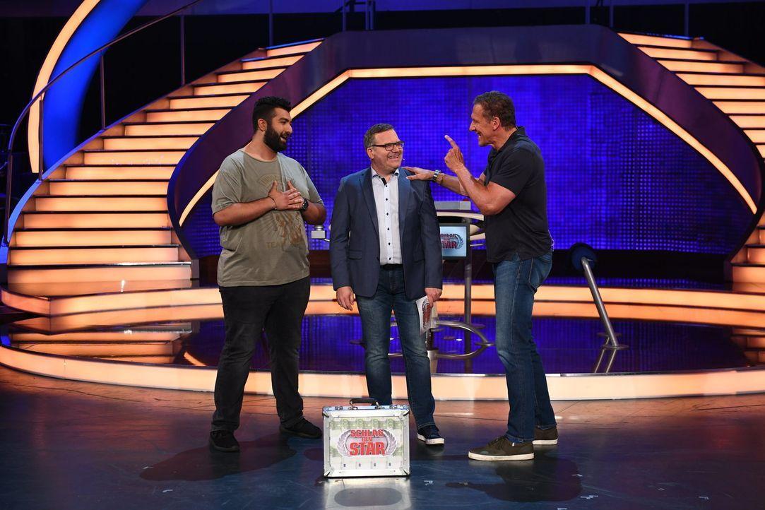 Im Jackpot sind 50.000 Euro. (v.l.n.r.: Faisal Kawusi, Elton, Ralf Moeller) ... - Bildquelle: Willi Weber ProSieben/Willi Weber