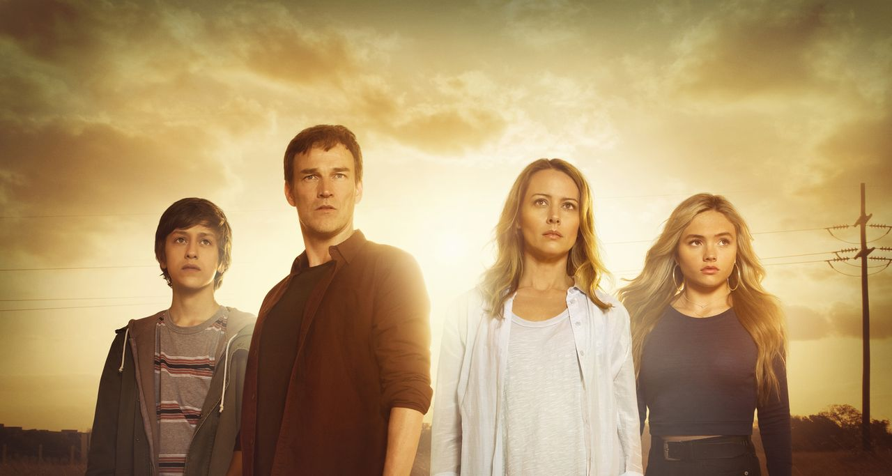 (1. Staffel) - (v.l.n.r.) Andy Strucker (Percy Hynes White); Reed Strucker (Stephen Moyer); Kate Strucker (Amy Acker); Lauren Strucker (Natalie Alyn... - Bildquelle: 2017 Fox and its related entities.  All rights reserved.  MARVEL TM &   2017 MARVEL