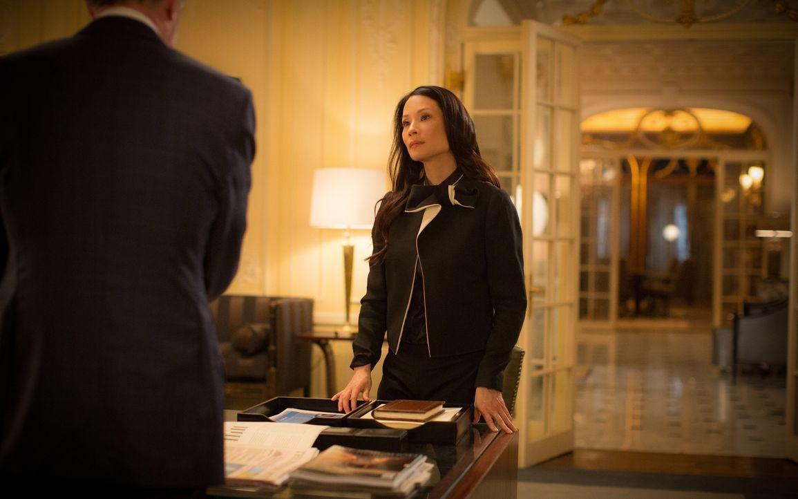 Bemüht sich um eine kurzweilige Partnerschaft mit dem FBI: Watson (Lucy Liu) ... - Bildquelle: Tom Concordia 2015 CBS Broadcasting, Inc. All Rights Reserved