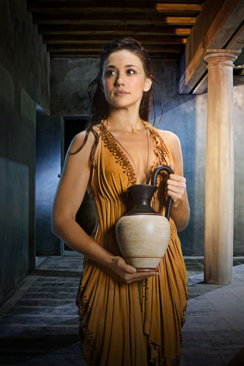 Als sich Tiberius an der Sklavin Kore (Jenna Lind), die sein Vater über alles liebt, vergreift, begeht er einen tödlichen Fehler ... - Bildquelle: 2012 Starz Entertainment, LLC. All rights reserved.