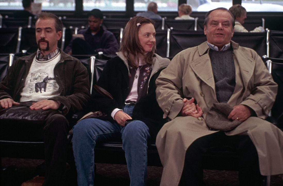 Als Schmidts (Jack Nicholson, r.) Frau unerwartet stirbt, droht er erst einmal zu verwahrlosen. Doch dann bricht er zu einer Reise zu seiner Tochter... - Bildquelle: New Line Cinema
