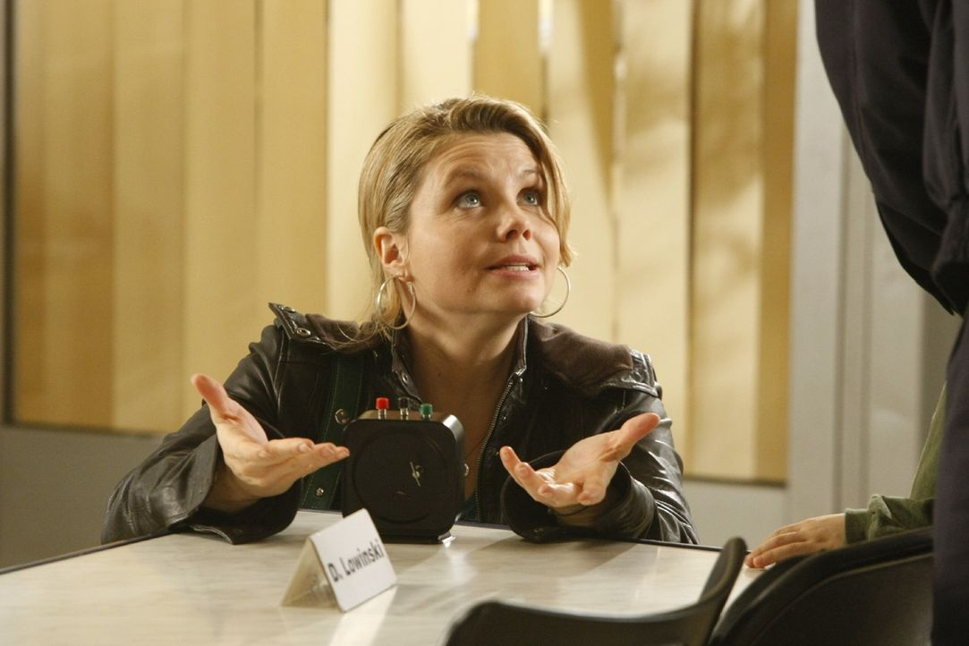 Erneut kämpft Danni (Annette Frier) für das Recht ... - Bildquelle: Frank Dicks SAT.1