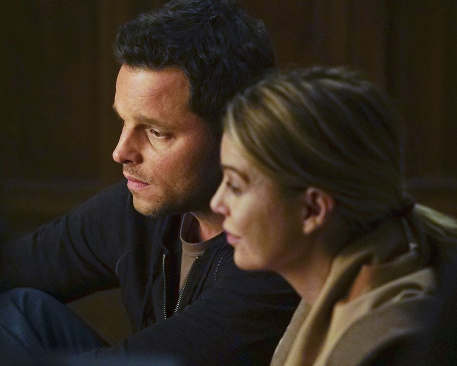 Steht Meredith (Ellen Pompeo, r.) immer wieder zur Seite: Alex (Justin Chambers, l.) ... - Bildquelle: Richard Cartwright ABC Studios