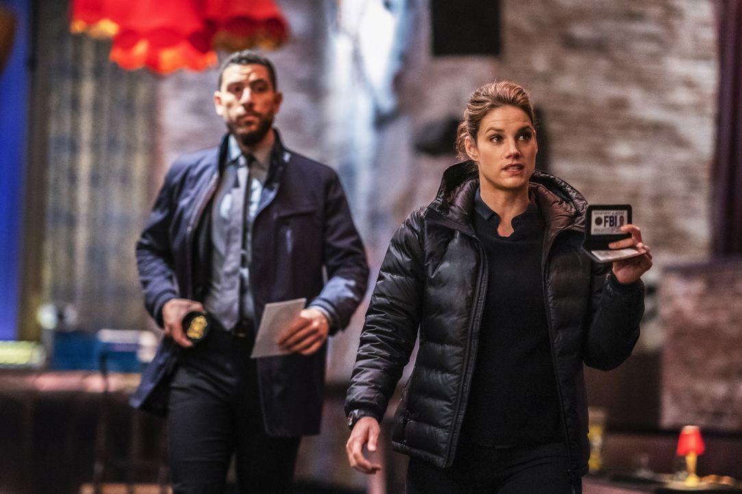 "Omar Adom ""OA"" Zidan (Zeeko Zaki, l.); Maggie Bell (Missy Peregrym, r.) - Bildquelle: Michael Parmelee 2018 CBS Broadcasting, Inc. All Rights Reserved/Michael Parmelee"
