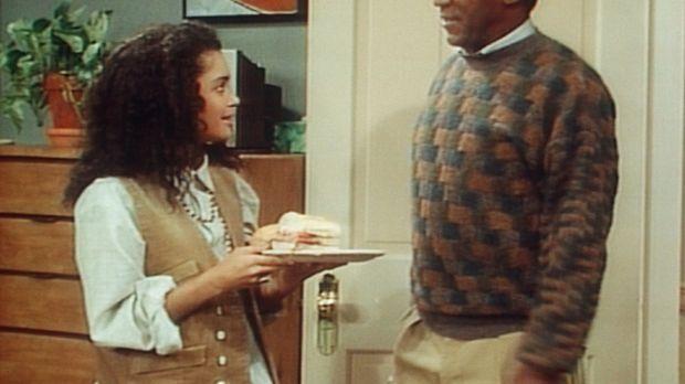 Cliff (Bill Cosby, r.) bewundert den guten Geschmack seine Sohnes, wenn es um...