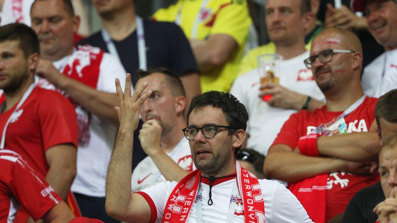 9. Polen: 8608 Euro für ein politisches Banner - Bildquelle: imago/ITAR-TASS