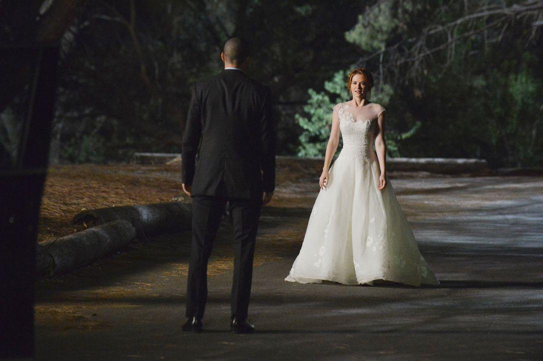 Während es zwischen Meredith und Derek kriselt, haben April (Sarah Drew, r.) und Jackson (Jesse Williams, l.) eine schwerwiegende Entscheidung getro... - Bildquelle: ABC Studios