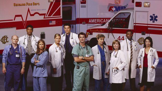 9. Staffel: Das Team der Notaufnahme, allen voran Dr. Carter (Noah Wyle, vorn...