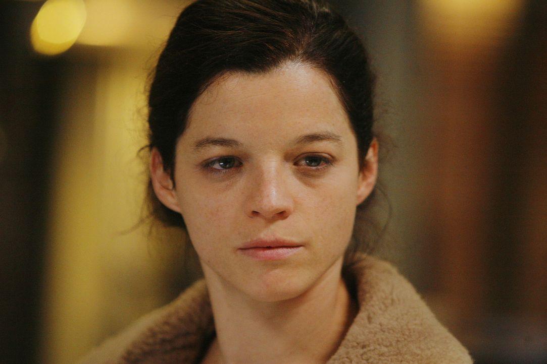 Adèle (Juliette Roudet) darf endlich Rocher bei einem Fall unterstützen. Kann sie auch einen guten Eindruck hinterlassen? - Bildquelle: 2014 BEAUBOURG AUDIOVISUEL