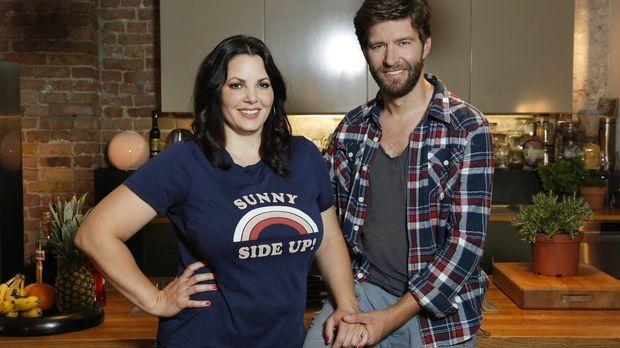 Paula Lambert (l.) und ihr Mann Matthias (r.) treffen in ihrer Sendung