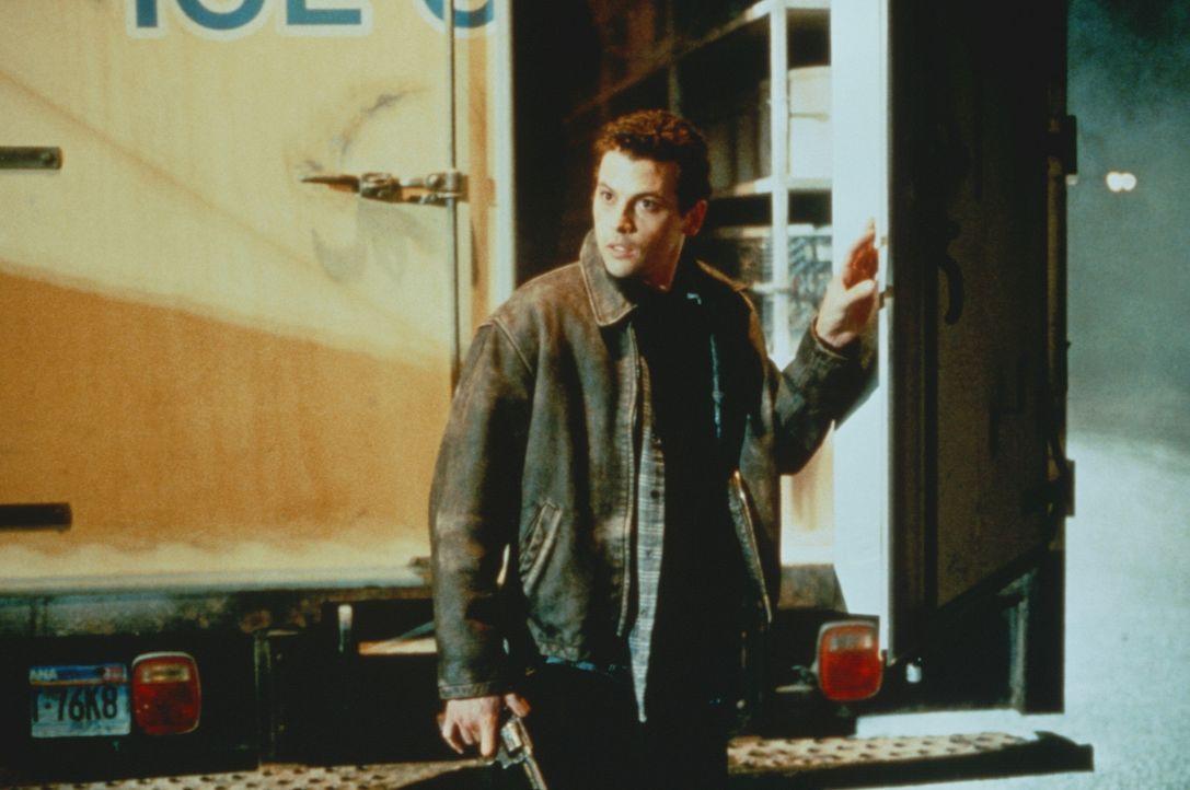 Eine riskante Mission: Tim Mason (Skeet Ulrich) muss den hitzeempfindlichen, chemischen Kampfstoff transportieren ... - Bildquelle: Warner Bros.