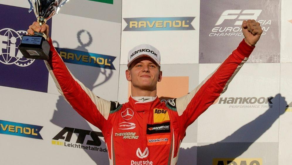Italiens Presse feiert EM-Sieger Mick Schumacher - Bildquelle: PIXATHLONPIXATHLONSID