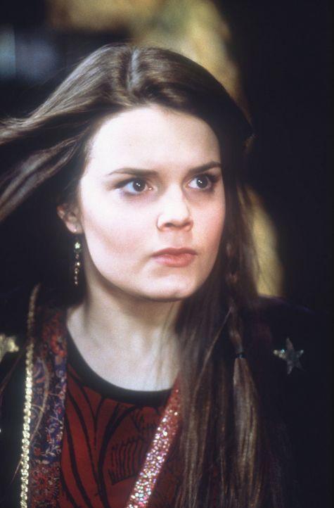 Im Wettlauf mit der Zeit: die junge Hexe Marnie (Kimberly J. Brown) ... - Bildquelle: DISNEY