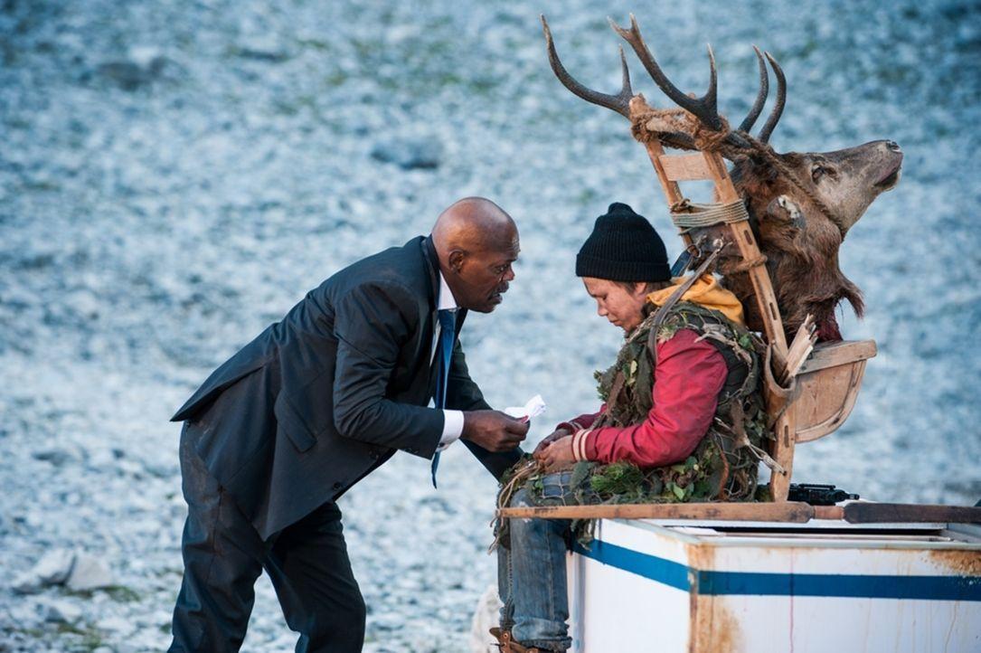 Der finnische Junge Oskari (Onni Tommila, r.) muss plötzlich an der Seite des US-Präsidenten (Samuel L. Jackson, l.) ums Überleben kämpfen ... - Bildquelle: 2017 Elite Film AG